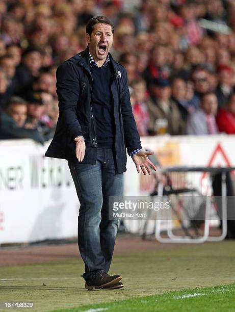 Head coach Franco Foda of Kaiserslautern reacts during the Second Bundesliga match between FC Energie Cottbus and 1.FC Kaiserslautern at Stadion der...