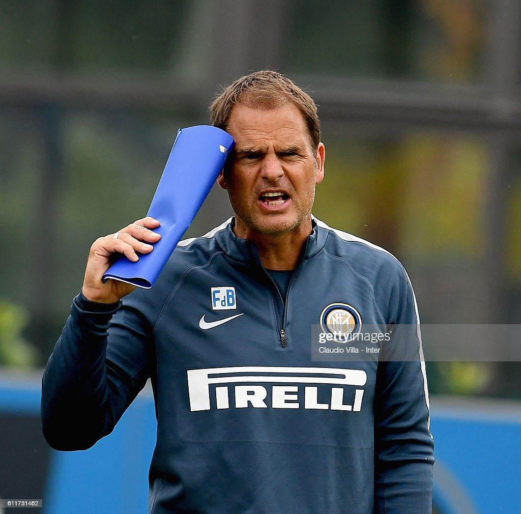 Head coach Frank de Boer reacts during the FC Internazionale training session at the club's training ground at Appiano Gentile on October 01, 2016 in Como, Italy.