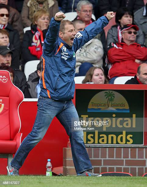 Head coach Frank Kramer of Fuerth shows his delight after Nikola Djurdjic scoring the third goal during the Second Bundesliga match between FC...