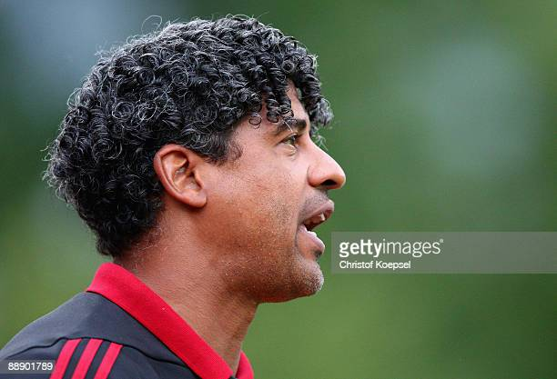 Head coach Frank Rijkaard of Galatasaray shouts during the Zayon Cup match between Galatasaray Istanbuch and Wydad AC Casablanca at the Lorheide...