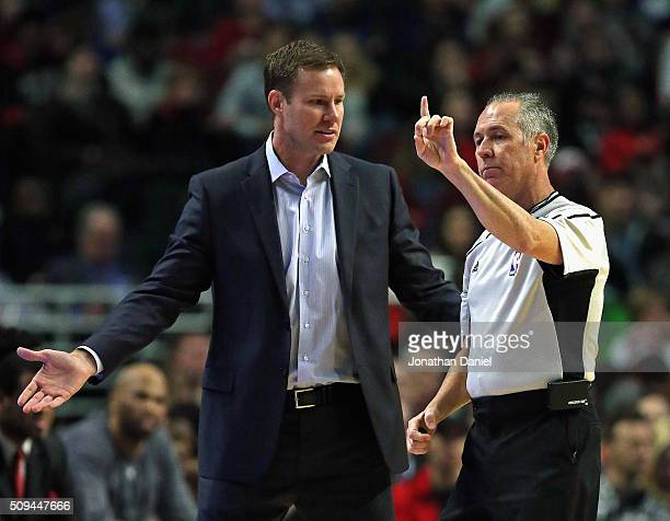 Head coach Fred Hoiberg of the Chicago Bulls complains to referee Jason Phillips during a game against the Atlanta Hawks at the United Center on...
