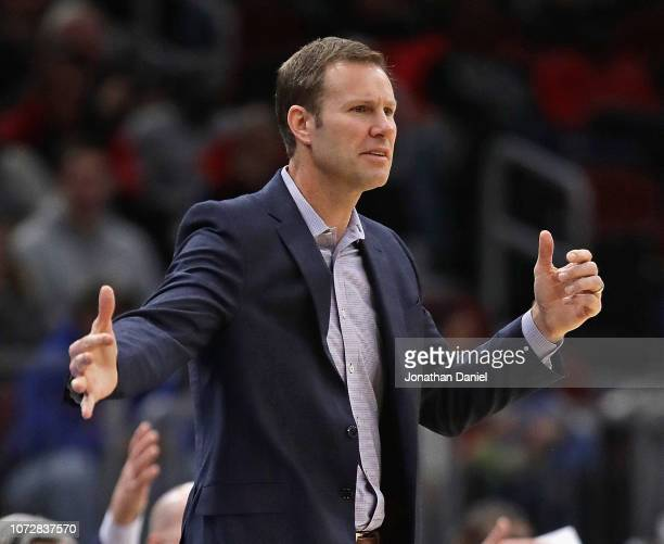 Head coach Fred Hoiberg of the Chicago Bulls signals to his team during a game against the San Antonio Spurs at the United Center on November 26,...