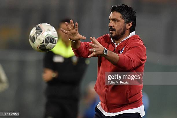 Head coach Gennaro Gattuso of Pisa stops the ball during the Serie B match between AC Pisa and Hells Verona at Arena Garibaldi on October 25, 2016 in...