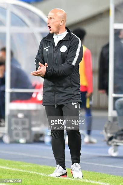 Head coach Gerhard Struber of Liefering gestures during the 2 Liga match between FC Blau Weiss Linz v FC Liefering at TGW Arena on September 28 2018...