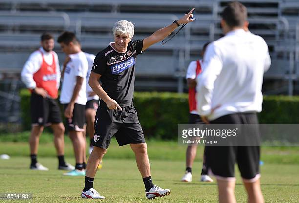 Head coach Gian Piero Gasperini issues instructions during a Palermo training session at Tenente Carmelo Onorato Sports Center on November 2 2012 in...