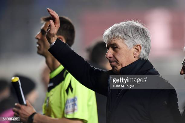 Head Coach Gian Piero Gasperini of Atalanta greets supporters after winning the Serie A match between Atalanta BC and FC Crotone at Stadio Atleti...