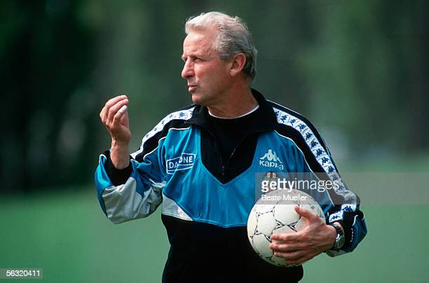 Head coach Giovanni Trapattoni of Juventus Turin gestures during the Training Session on April 7, 1994 in Turin, Italy.