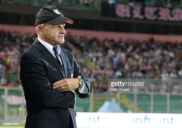 Head Coach Giuseppe Iachini of Palermo looks on during the Serie A match between US Citta di Palermo and US Sassuolo Calcio at Stadio Renzo Barbera...