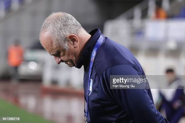Head coach Graham Arnold of Sydney FC looks on prior to the AFC Champions League Group H match between Suwon Samsung Bluewings and Sydney FC at Suwon...