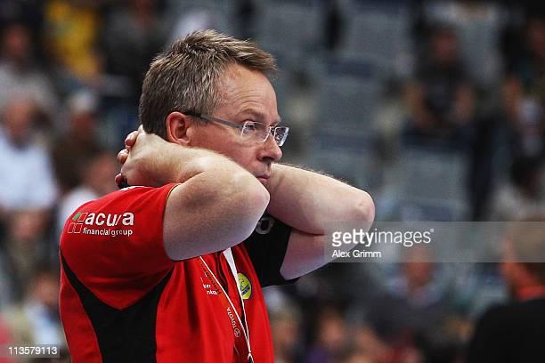 Head coach Gudmundur Gudmundsson of RheinNeckar Loewen reacts during the Toyota Handball Bundesliga match between Rhein Neckar Loewen and HSV Hamburg...