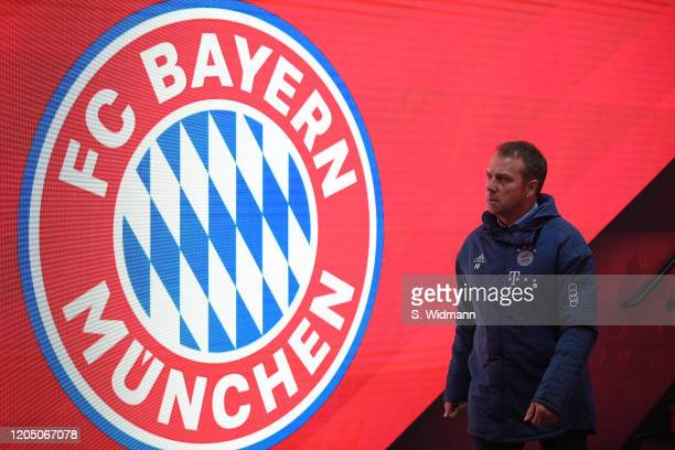Bayern Munich Logo Photos And Premium High Res Pictures Getty Images