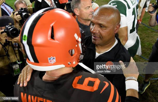 Head coach Hue Jackson of the Cleveland Browns celebrates with Baker Mayfield after a 2117 win over the New York Jets at FirstEnergy Stadium on...