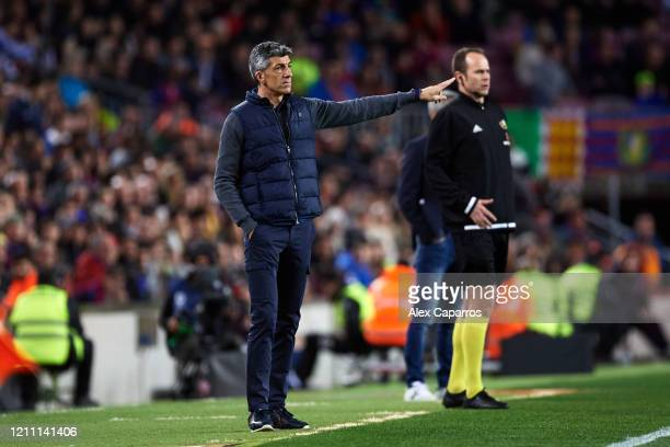 Head Coach Imanol Alguacil of Real Sociedad gives instructions during the Liga match between FC Barcelona and Real Sociedad at Camp Nou on March 07...
