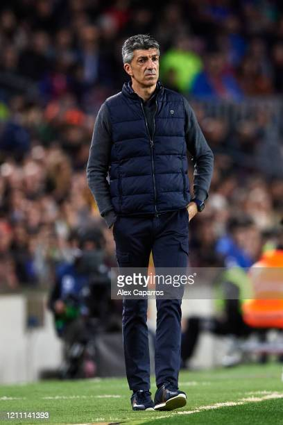 Head Coach Imanol Alguacil of Real Sociedad looks on during the Liga match between FC Barcelona and Real Sociedad at Camp Nou on March 07 2020 in...