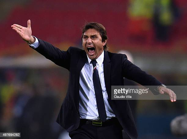 Head coach Italy Antonio Conte reacts during the international friendly match between Italy and Romania at Stadio Renato Dall'Ara on November 17 2015...