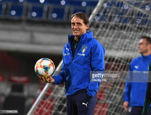 Head coach Italy Roberto Mancini looks on during a Italy training session at Rheinpark Stadion on October 14, 2019 in Vaduz, Liechtenstein.