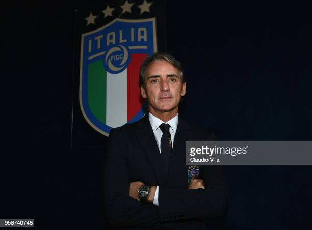 Head coach Italy Roberto Mancini poses for a photo after the press conference at Centro Tecnico Federale di Coverciano on May 15, 2018 in Florence,...