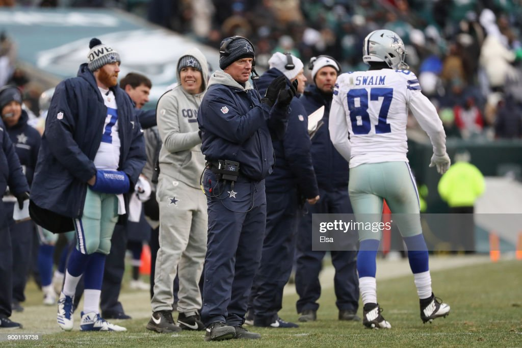 Head coach Jason Garrett of the Dallas Cowboys reacts against hte Philadelphia Eagles during the second half of the game at Lincoln Financial Field on December 31, 2017 in Philadelphia, Pennsylvania. The Dallas Cowboys won 6-0.