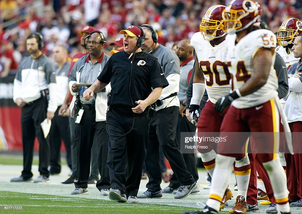 Head coach Jay Gruden of the Washington Redskins (C) reacts after a play by the Arizona Cardinals during the third quarter of a game at University of Phoenix Stadium on December 4, 2016 in Glendale, Arizona. The Cardinals defeated the Redskins 31-23.