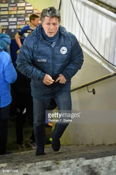 Head coach Jeff Saibene of Bielefeld enters the pitch prior to the Second Bundesliga match between DSC Arminia Bielefeld and 1 FC Union Berlin at...