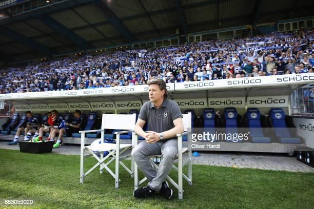 Head coach Jeff Saibene of Bielefeld looks on prior to the Second Bundesliga match between DSC Arminia Bielefeld and Eintracht Braunschweig at...