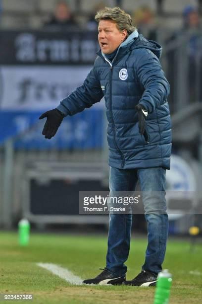 Head coach Jeff Saibene of Bielefeld reacts during the Second Bundesliga match between DSC Arminia Bielefeld and SG Dynamo Dresden at Schueco Arena...