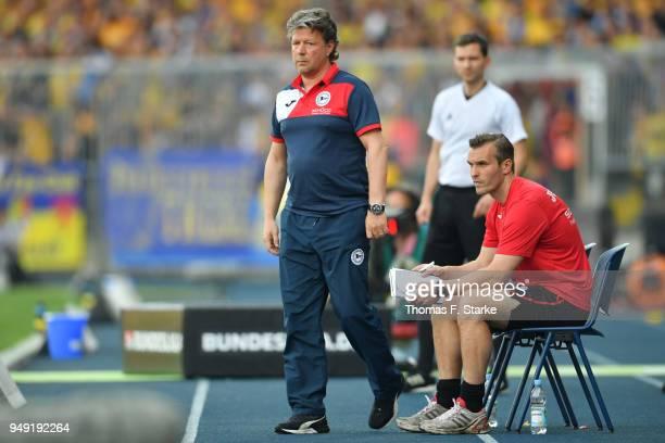 Head coach Jeff Saibene und assistant coach Carsten Rump of Bielefeld watch their players during the Second Bundesliga match between Eintracht...
