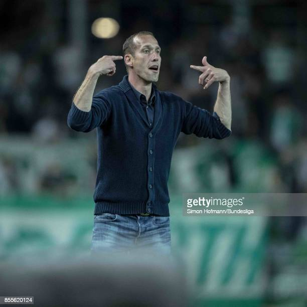 Head coach Jeff Strasser of Kaiserslautern gives directions during the Second Bundesliga match between 1 FC Kaiserslautern and SpVgg Greuther Fuerth...