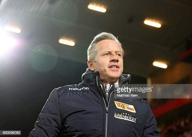 Head coach Jens Keller of Berlin looks on prior to the Second Bundesliga match between 1 FC Union Berlin and SpVgg Greuther Fuerth at Stadion An der...