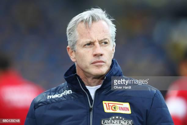 Head coach Jens Keller of Berlin looks on prior to the Second Bundesliga match between Eintracht Braunschweig and 1 FC Union Berlin at Eintracht...