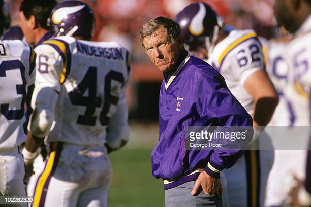 Head coach Jerry Burns of the Minnesota Vikings looks on during the 1988 NFC Divisional Playoffs against the San Francisco 49ers at Candlestick Park...