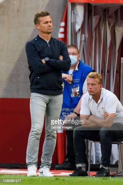 Head coach Jesse Marsch of RB Leipzig gestures during the Bundesliga match between 1. FC Koeln and RB Leipzig at RheinEnergieStadion on September 18,...