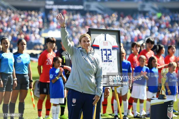 Head coach Jill Ellis of the U.S. Women's National Team waves to the crowd prior to the World Cup Victory Tour game against South Korea at Soldier...