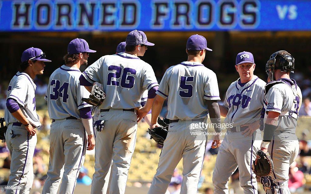Dodger Stadium College Baseball Classic : News Photo