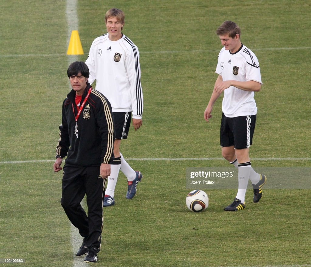 Germany Training & Press Conference - 2010 FIFA World Cup : News Photo