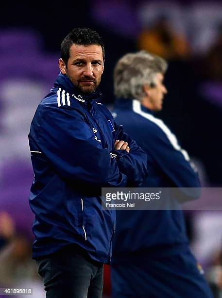 Head coach Joe Zinnbauer of Hamburger SV looks during the friendly match between Hamburg SV and Manchester City at Hazza bin Zayed Stadium on January...
