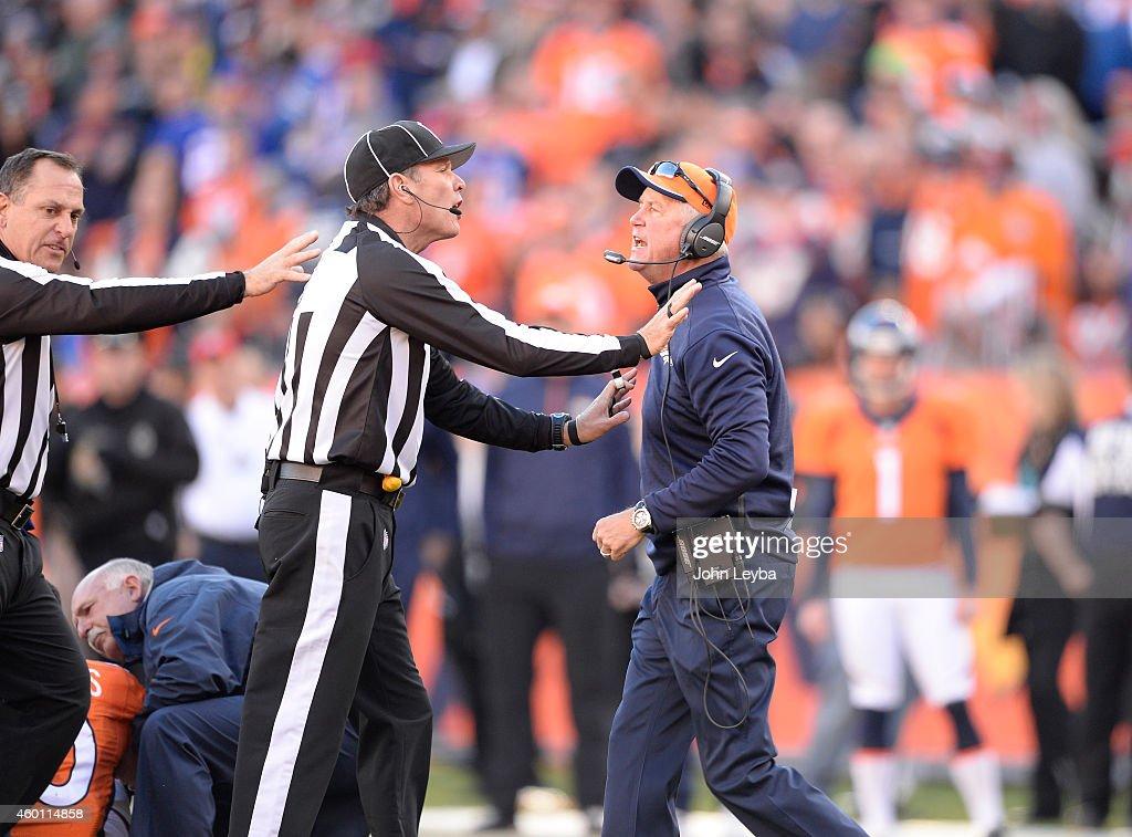 Denver Broncos vs. Buffalo Bills : News Photo