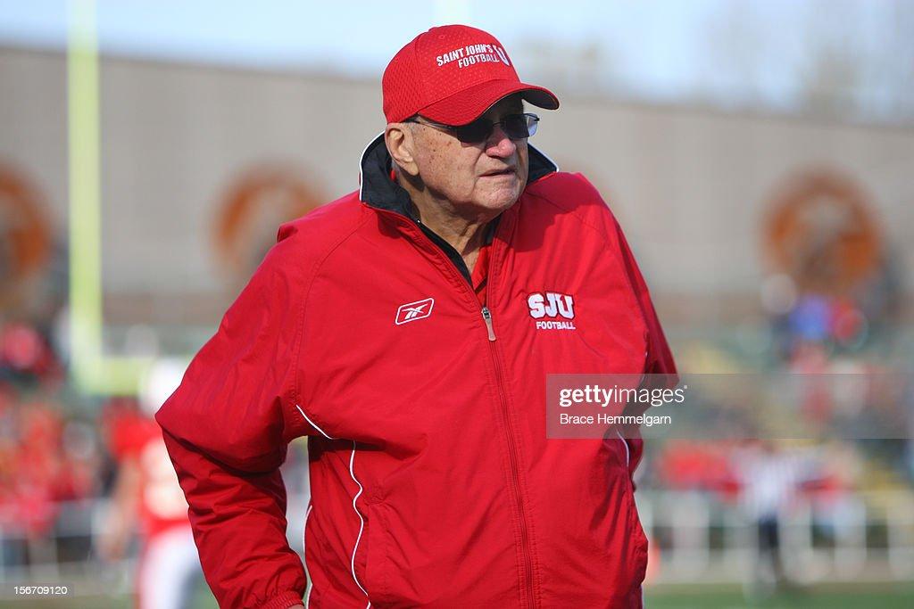 Saint John's head coach John Gagliardi : News Photo