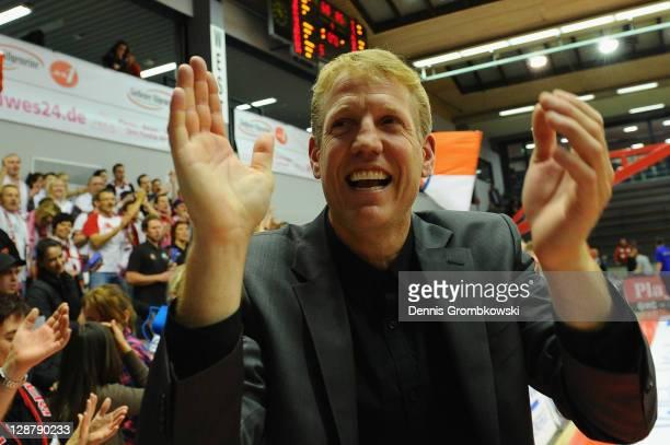 Head coach John Patrick of s. Oliver Baskets celebrates after the Beko BBL Bundesliga match between LTi Giessen 46ers and s. Oliver Baskets at...