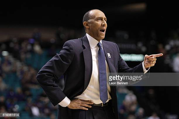 Head Coach Johnny Dawkins of the Stanford Cardinal directing his team against the Washington Huskies during a firstround game of the NCAA Pac12...