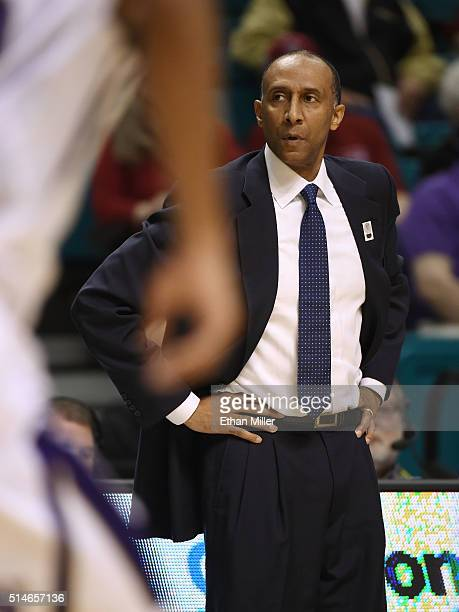 Head coach Johnny Dawkins of the Stanford Cardinal looks on during a firstround game of the Pac12 Basketball Tournament against the Washington...