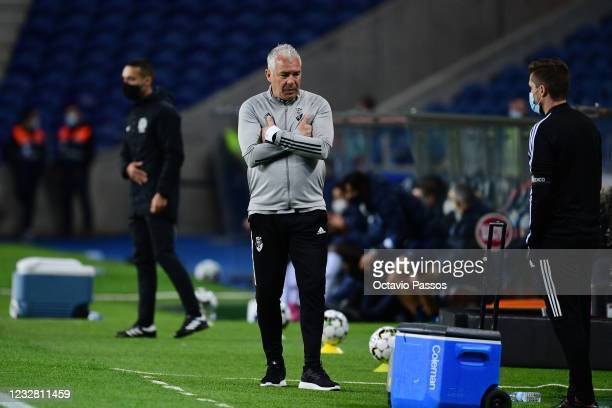 Head coach, Jorge Costa of SC Farense reacts during the Liga NOS match between FC Porto and SC Farense at Estadio do Dragao on May 10, 2021 in Porto,...