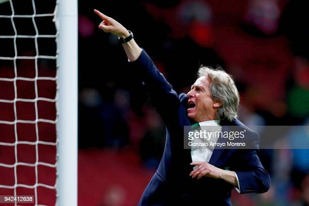 Head coach Jorge Jesus of Sporting CP acknowledges the audience after loosing the UEFA Europa League quarter final leg one match between Club...