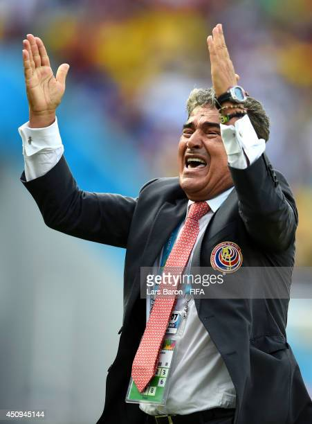 Head coach Jorge Luis Pinto of Costa Rica celebrates the 1-0 win after the 2014 FIFA World Cup Brazil Group D match between Italy and Costa Rica at...