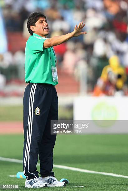 Head coach Jose Luis Gonzalez of Mexico gestures during the Round of 16 match between Mexico and Korea Republic at the AbubakarTafawa Stadium on...