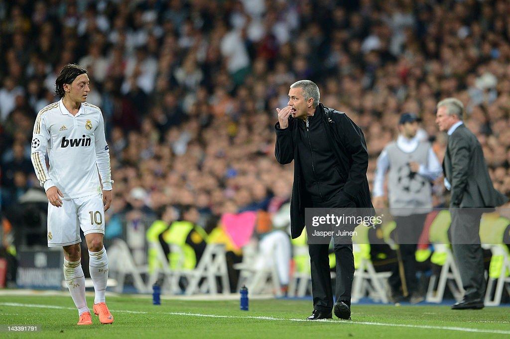 Real Madrid CF v Bayern Muenchen - UEFA Champions League Semi Final : News Photo
