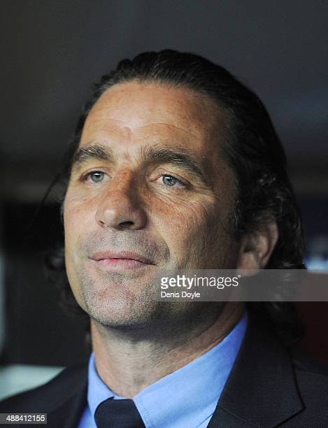 Head coach Juan Antonio Pizzi of Valencia CF looks on during the UEFA Europa League Semi Final first leg match between Sevilla FC and Valencia CF at...