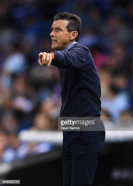 Head Coach Juan Carlos Unzue of RC Celta de Vigo directs his players his players during the La Liga match between Espanyol and Celta de Vigo at...