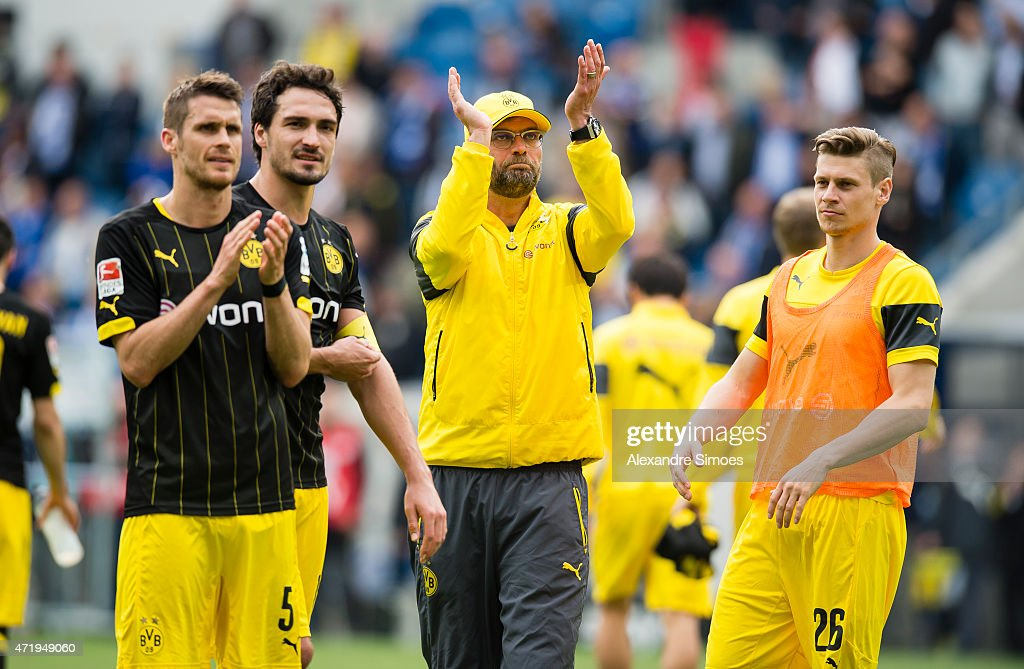 Head coach Juergen Klopp of Borussia Dortmund together with his players Mats Julian Hummels, Sebastian Kehl and Lukasz Piszczek after the final whistle during the Bundesliga match between 1899 Hoffenheim and Borussia Dortmund at Wirsol Rhein-Neckar-Arena on May 02, 2015 in Sinsheim, Germany.