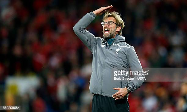 Head coach Juergen Klopp of Liverpool gestures during the UEFA Europa League Final match between Liverpool FC and Sevilla FC at St JakobPark on May...